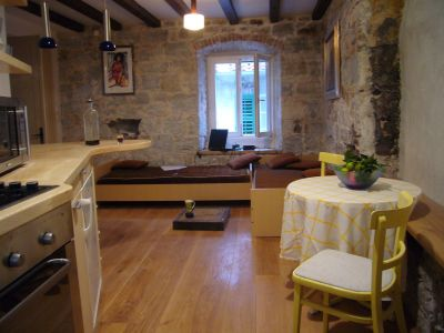 Split Studio for two at the main square Pjaca